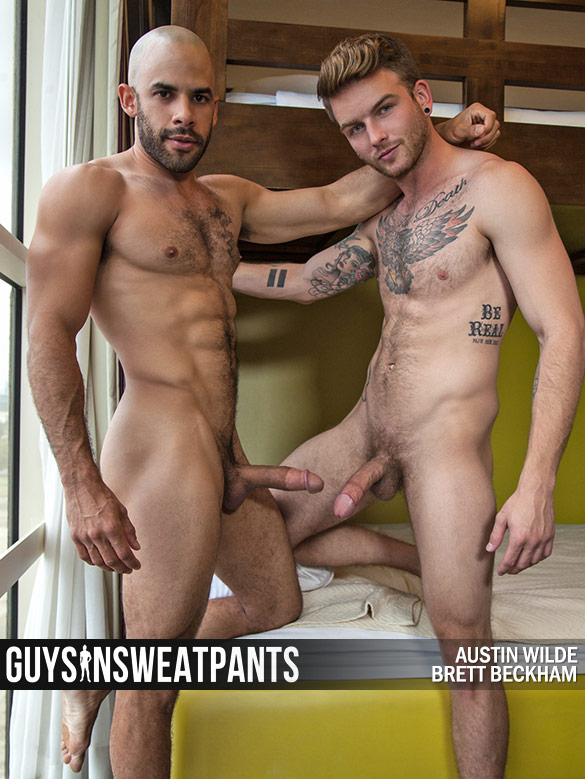 GuysInSweatpants: Austin Wilde barebacks Brett Beckham