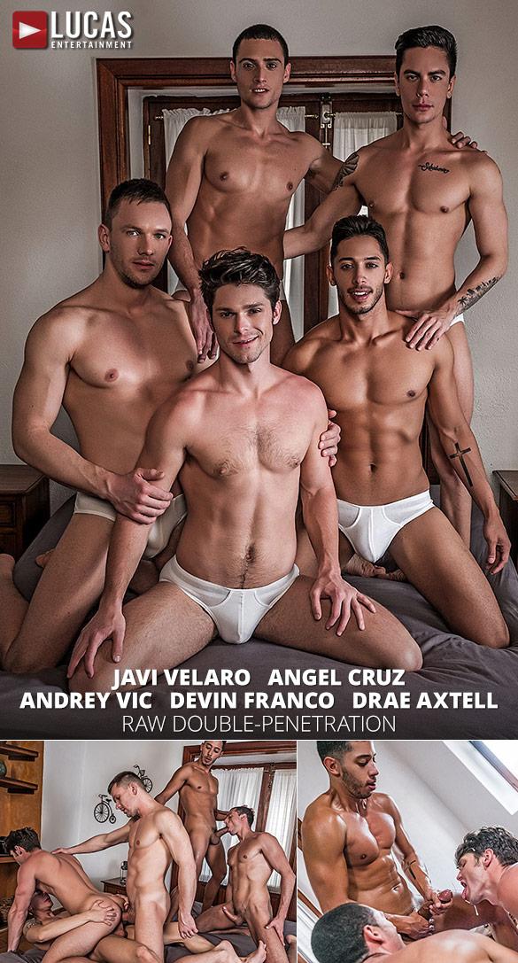 Lucas Entertainment: Andrey Vic, Angel Cruz, Devin Franco, Drae Axtell and Javi Velaro's raw five-man orgy