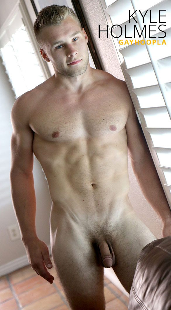 GayHoopla: Kyle Holmes rubs one out